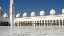 The Sheikh Zayed Grand Mosque show