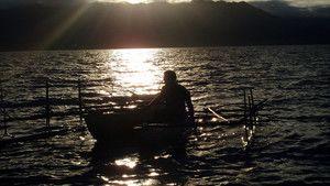 الصيد بيدين عاريتين صورة