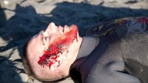 دماء في الماء صورة