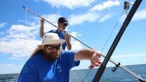 في رحلة التونة صورة