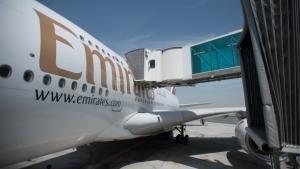 مجموعة من أفضل حلقات برنامج مطار دبي الدولي صورة