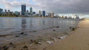 شاطئ أستراليا المميت صورة
