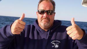 صيد الزعنفة الزرقاء صورة
