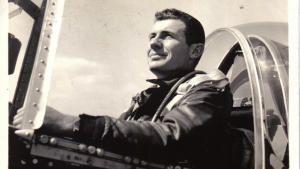 أبطال السماء: القوة الجوية الثامنة الرائعة صورة