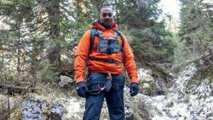 آنثوني ماكي في جبال الدولوميت الإيطالية صورة