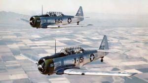 أبطال السماء: القوة الجوية الثامنة الرائعة