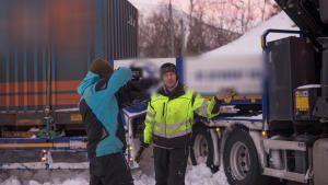 فريق إنقاذ الطرق الجليدية: مخاطر الطريق السريع