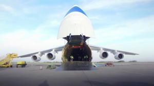 طيران العمالقة صورة